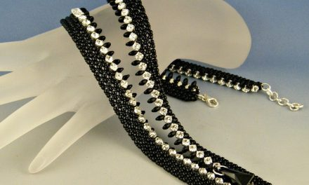 How to Make a Beaded Zipper Necklace