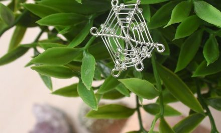 Wire Spider Web Necklace DIY
