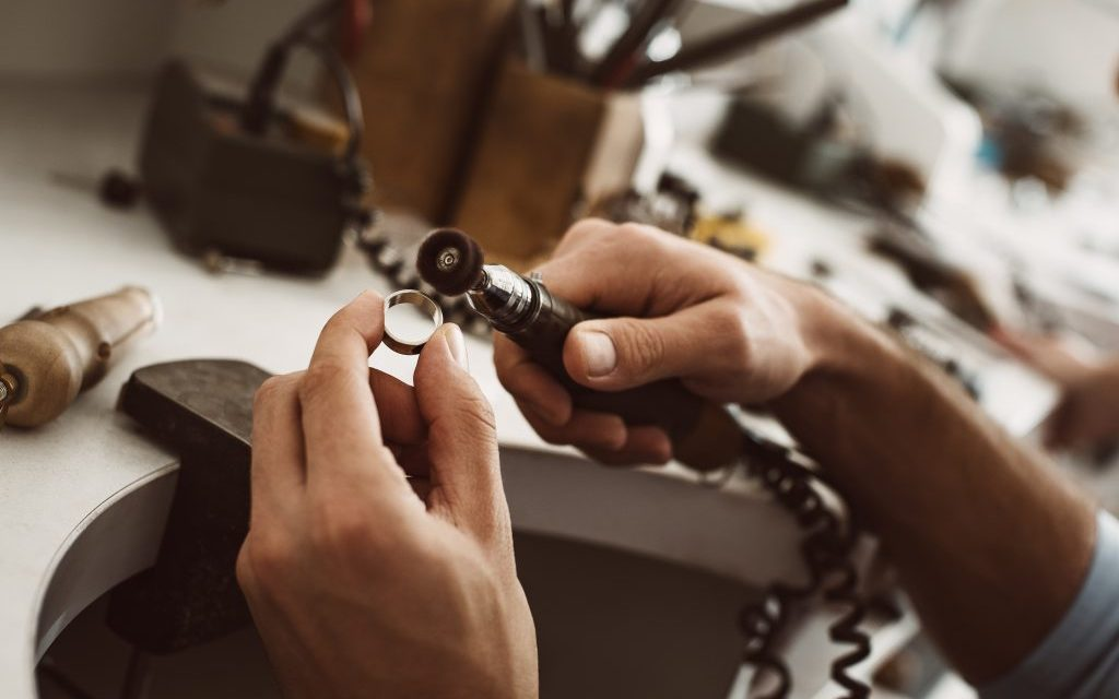 A Guide To Engraving The Inside Of A Ring