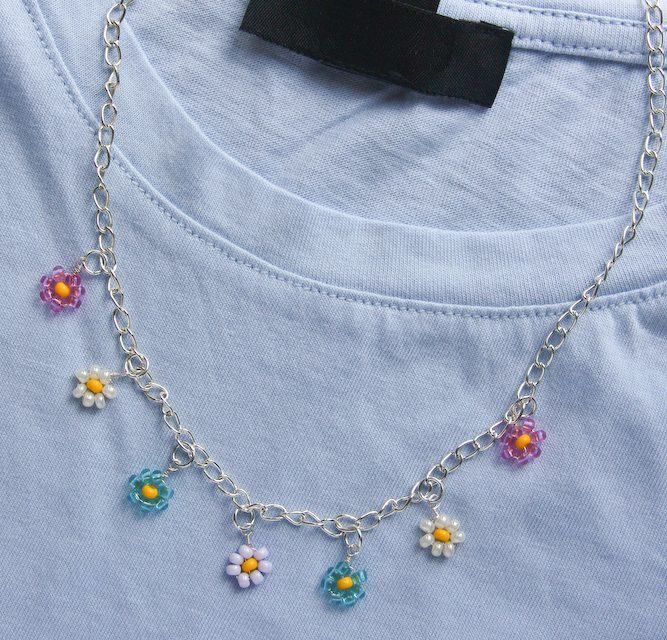 Beaded Daisy Necklace – Make and Fable