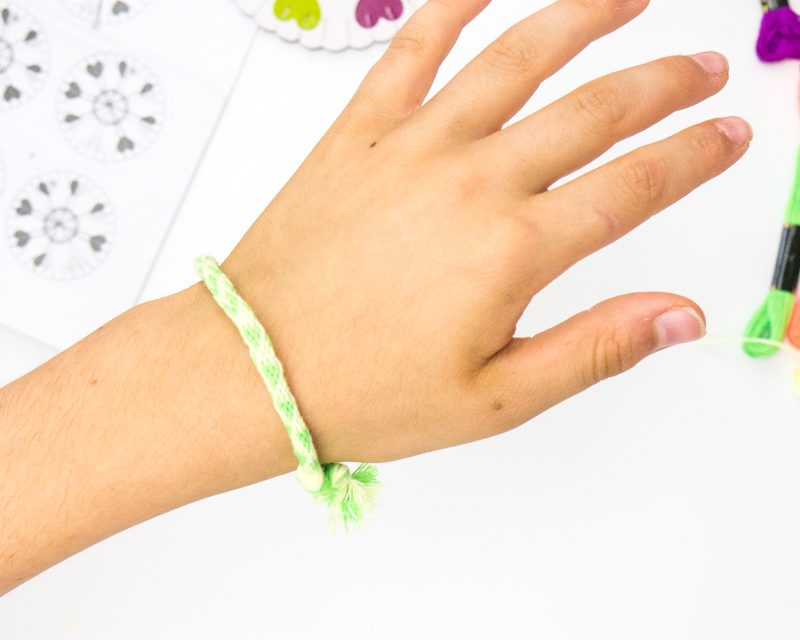 Boredom Buster Idea: Friendship Bracelets
