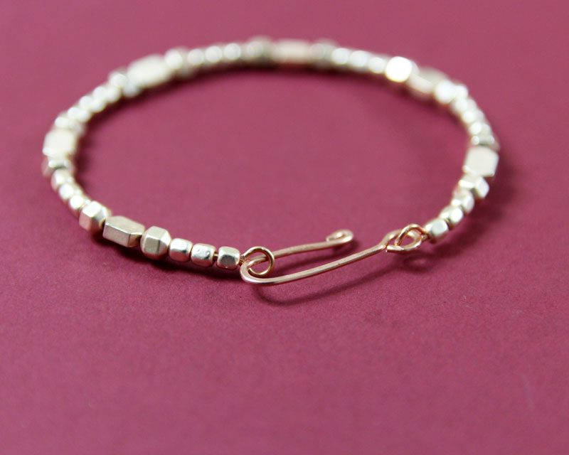 How to make wire jewelry clasps * Moms and Crafters