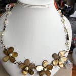 Shell and pearl wire necklace